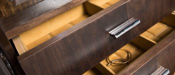 Distinct drawers & linings